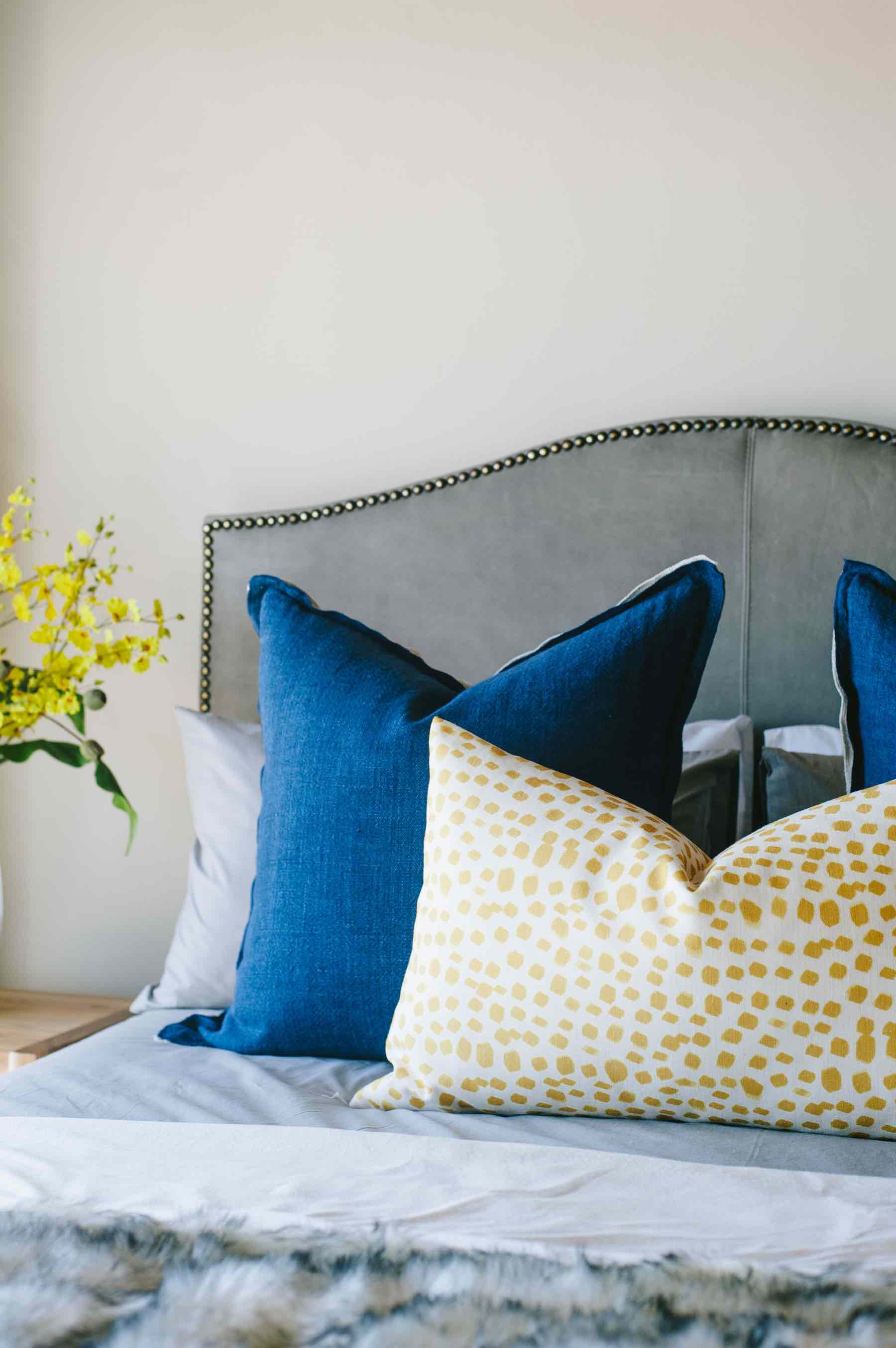 bed-cushions-headboard