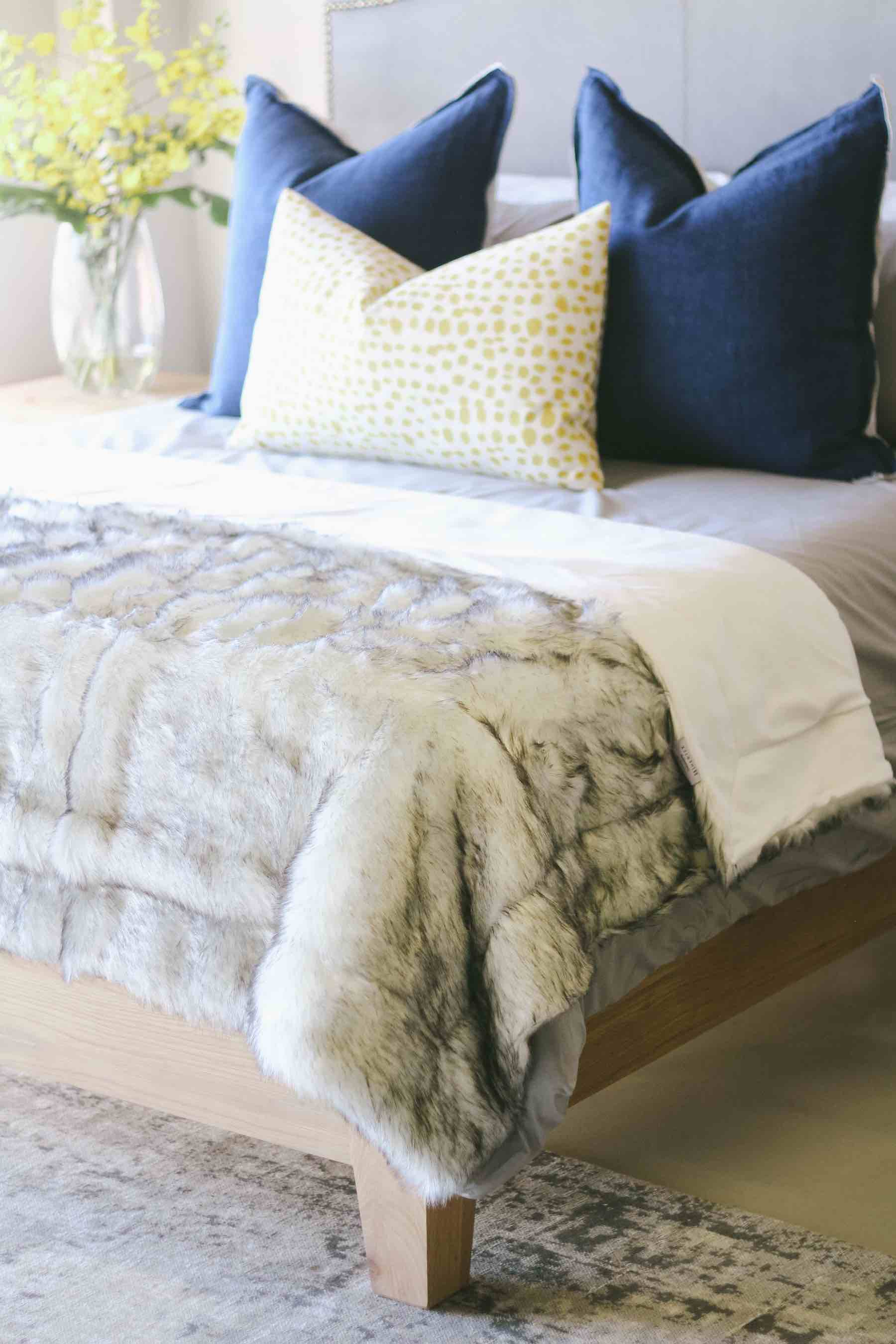 bed-with-luxe-throw