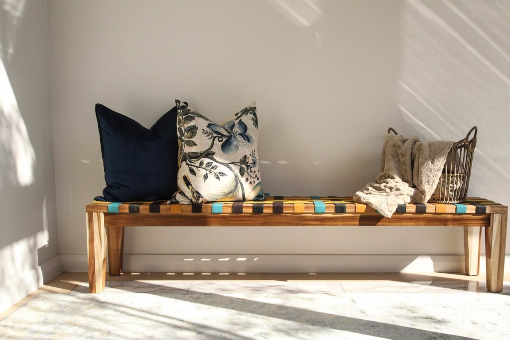 riempie-bench-with-cushions